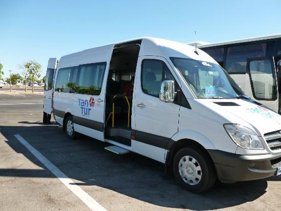 Amara Wing Resort Kemer: Minibus transfer