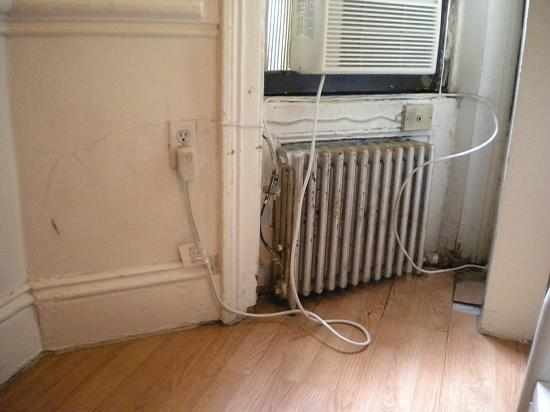 Times Square Dream Hostel: No much wonder there is a rodent problem!