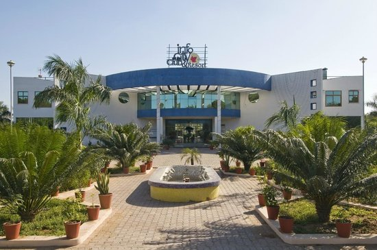 Infocity club resort gandhinagar gujarat specialty for Speciality hotels