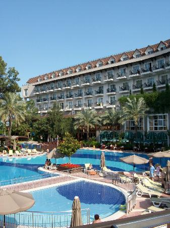 Amara Wing Resort Kemer: view to the main bilding