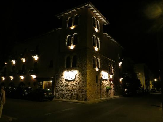 Ses Rotges: Main View at night