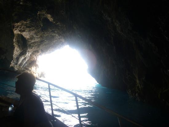 Noleggio barche Lucibello: in one of the grotto's