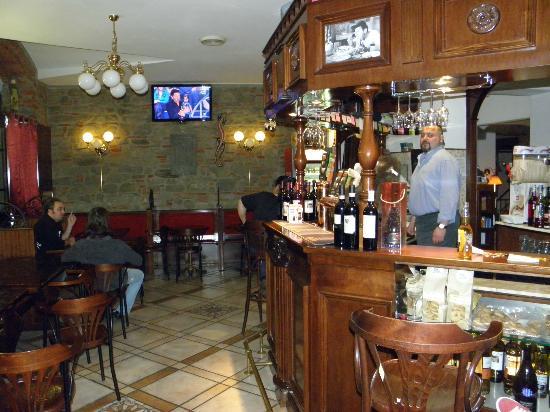 Fox's Inn: Bar