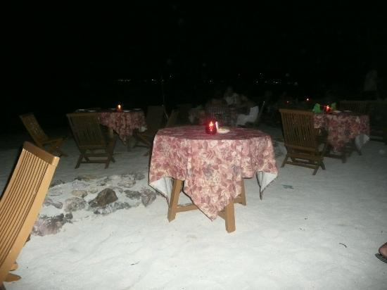 Plantation Island Resort : dining area