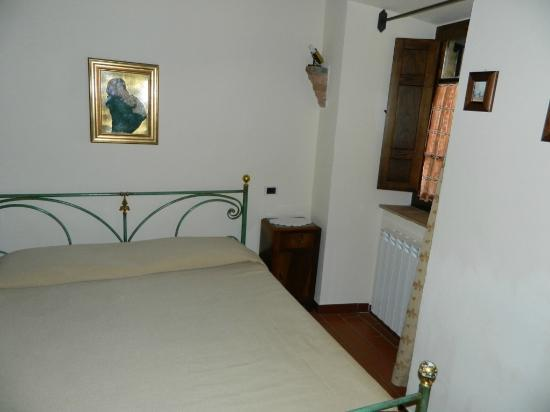 Agriturismo La Fonte: One of the double bedrooms