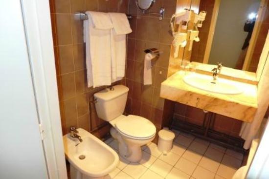 BEST WESTERN PLUS Hôtel du Parc : salle de bains