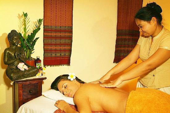 """Hotelpark """"Der Westerwald Treff"""" : Traditionell Thailändische Massage im Sabaai-Studio"""
