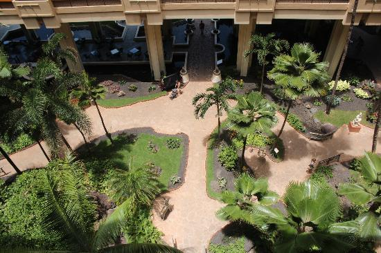 Hyatt Regency Maui Resort and Spa: View from hotel atrium