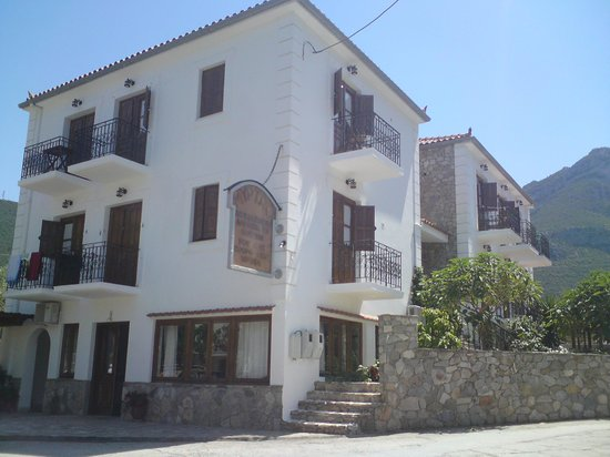 Kyparissi, Greece: Myrtoo appartments
