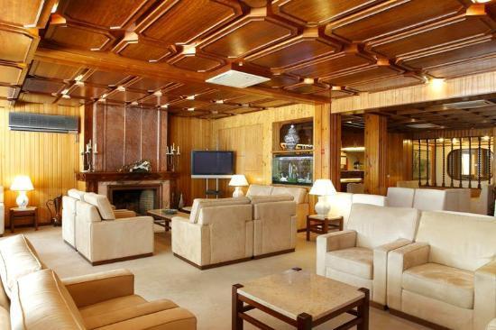 foto de hotel regina fatima sala de estar tv tripadvisor