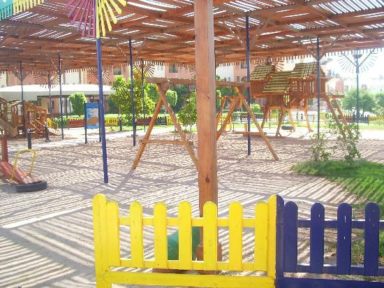 SUNRISE Select Royal Makadi Resort: kids' playground