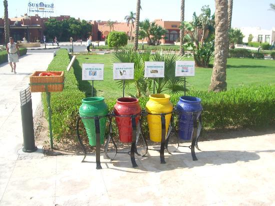 SUNRISE Select Royal Makadi Resort: Recycling