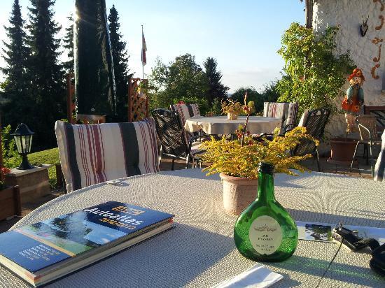 Landhaus Hubertus: Terrasse