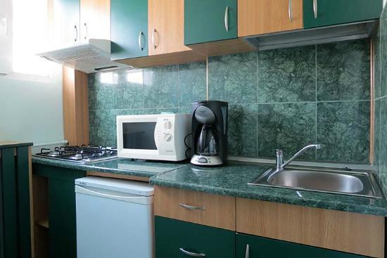 Cristal Accommodation: Kitchen