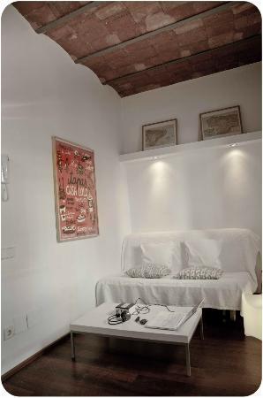 Barceloneta Suites: double sofa-bed