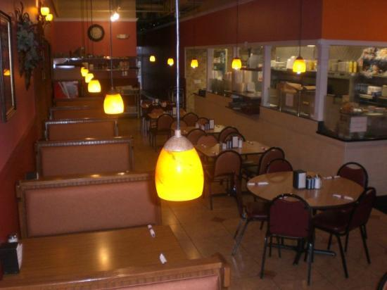 Romira's City Grill: Booths or tables plenty of comfortable seating