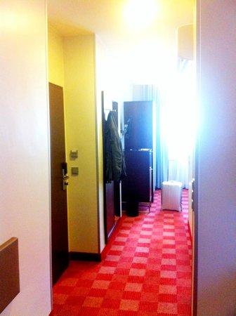 Ringhotel Stadt Coburg: Blick in den zimmer-Flur