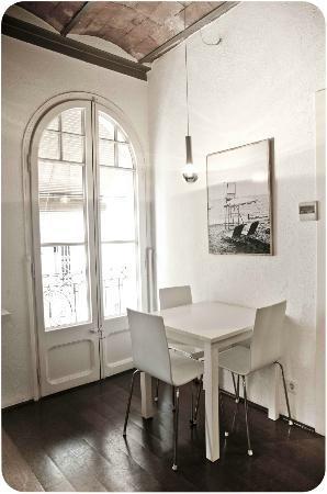 Barceloneta Suites: original style