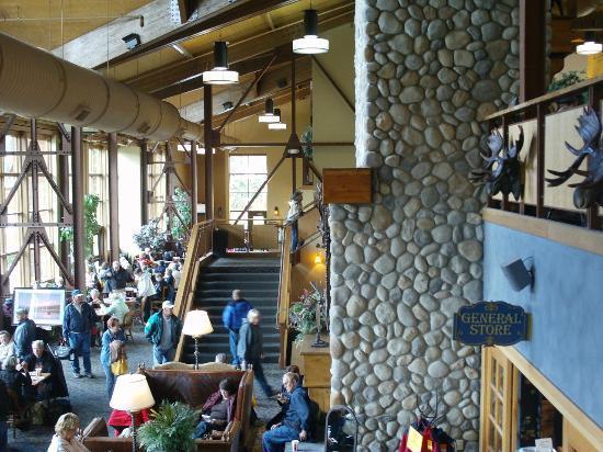 Denali Princess Wilderness Lodge: Main lodge (part)