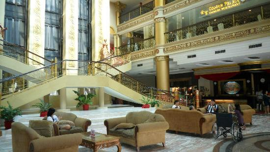 Pacific Palace Hotel: View from the lobby