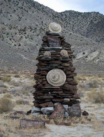 """Gerlach, Невада: Guru Road """"Sculpture"""""""