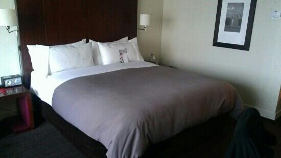 W Seattle: king bed all to myself heaven