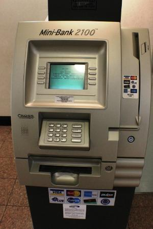 BEST WESTERN Airport Inn & Suites: ATM on property
