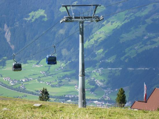 Hotel Pension Strolz: Penken Cable Car