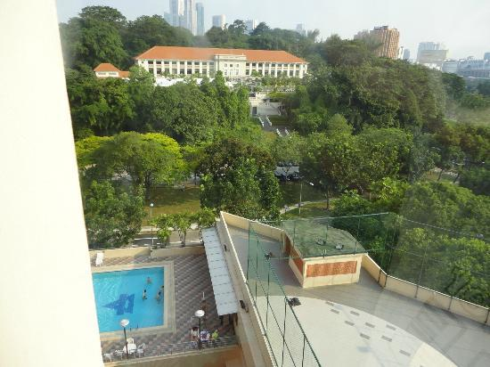 Fort Canning Lodge: Pool area
