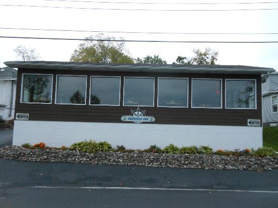 Deerhead Lakeside Restaurant & Bar: Deerhead Inn