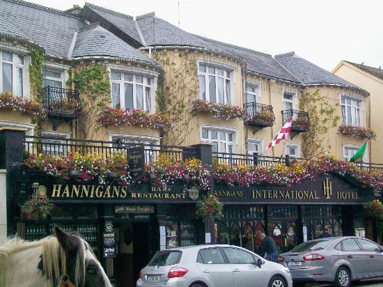 International Hotel Killarney: Front of Inrtnational Hotel