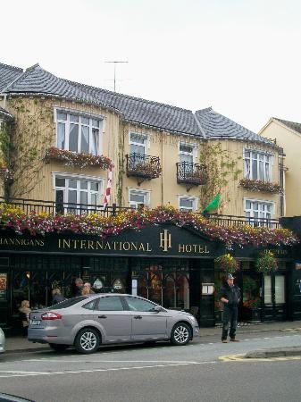 International Hotel Killarney: Front of International Hotel