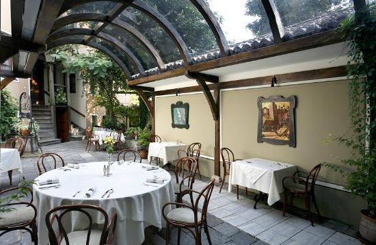 Hebros Hotel: Garden - restaurant