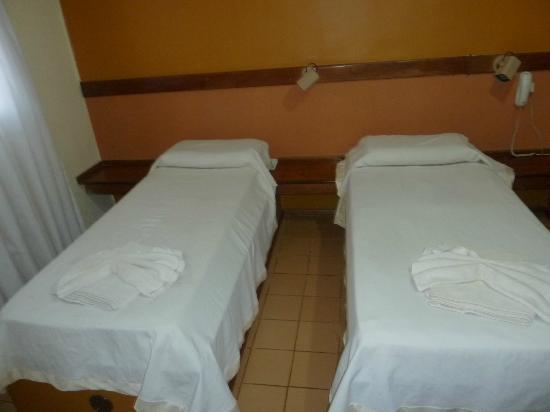 Hosteria Casa Blanca Iguazu : Habitación doble