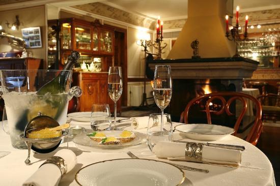 Hebros Hotel: Restaurant