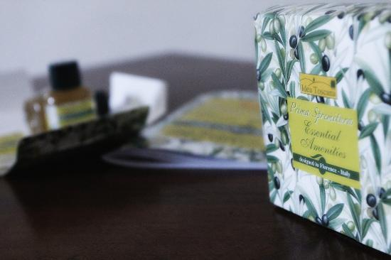 Agriturismo il Frantoio di Colle Alberto: La nostra linea cortesia all'olio d'oliva igp