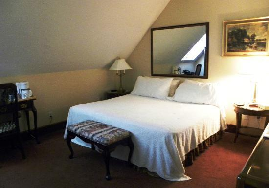 Madison Manor Boutique Hotel: room