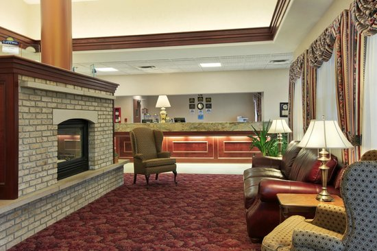 Days Inn Carrollton: Spacious Lobby