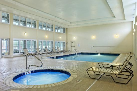 Days Inn Carrollton: Indoor Heated Pool and Spa