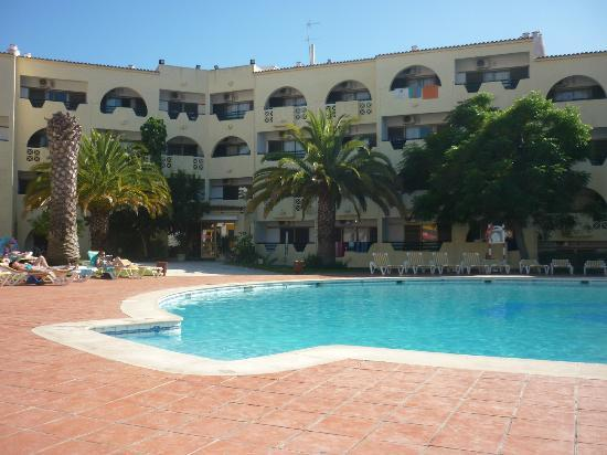 View from front of hotel picture of cheerfulway for Albufeira jardin