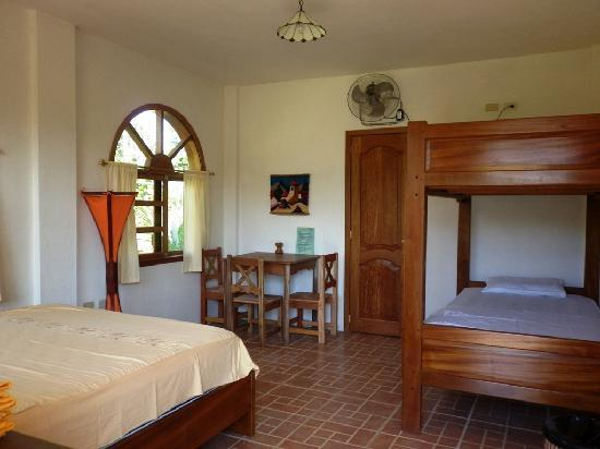 Banana Lodge : Family room 2