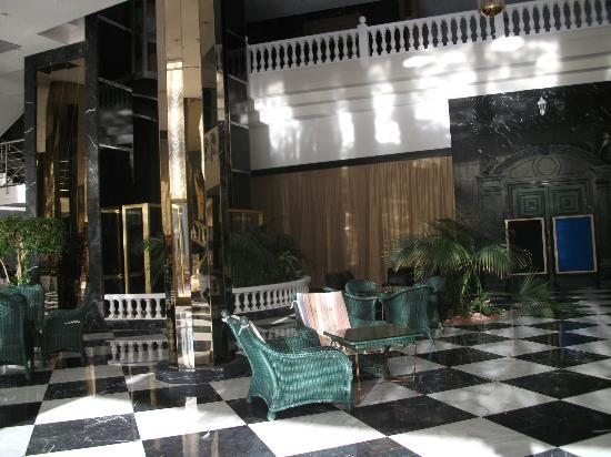 Cleopatra Palace Hotel: inside hotel