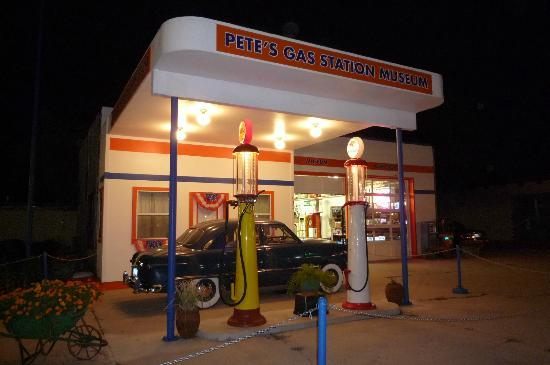 Уильямс, Аризона: Pete's Gas station