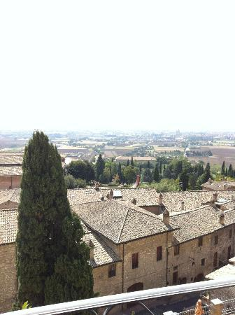 Hotel Giotto Assisi: View from Room