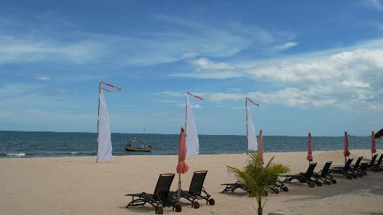 Yaiya Hua Hin: Private beach