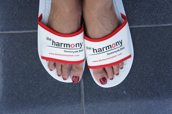 The Harmony Seminyak: Harmony slippers - dont mind the crinkly toes