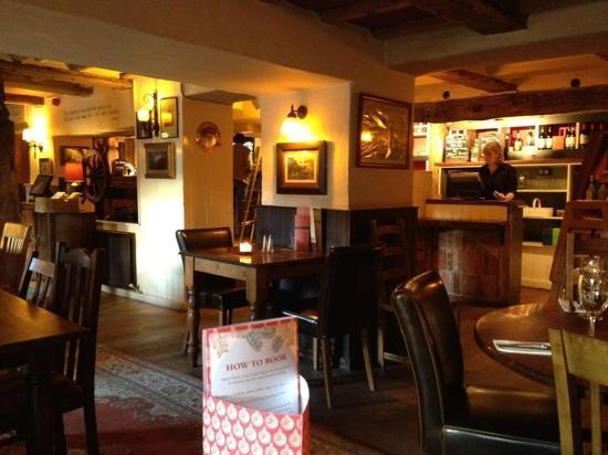 Osmington Mills, UK: Dinner at Smugglers Inn.