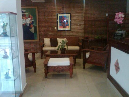 Apart-Hotel Plaza Colonial: Recepcion