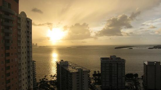 Four Seasons Hotel Miami: Room sunrise