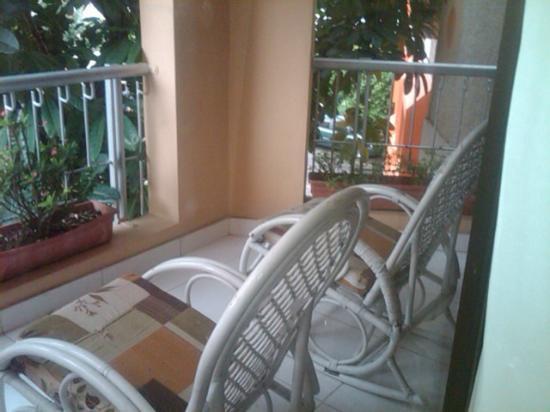 Apart-Hotel Plaza Colonial: Balcon de la habitacion